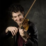 photo of violinist Itamar Zorman